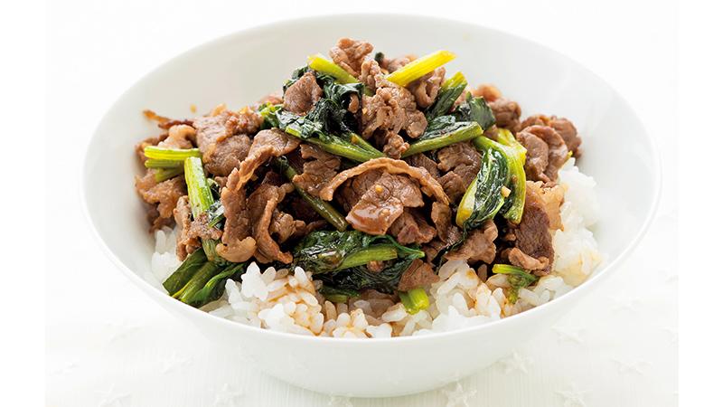 【牛切り落とし肉レシピ】牛肉とほうれん草の韓国風炒め丼